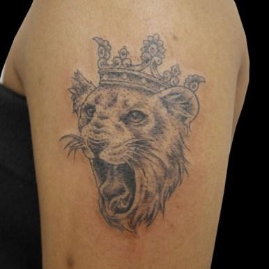 ライオン クラウン crown lion
