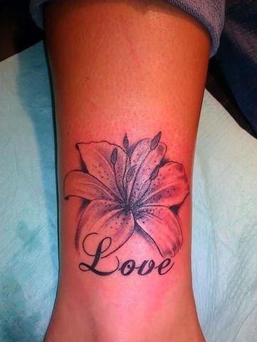 Motif décoratif Tattoo : Magnifique Tatouage Fleur de Lys ...
