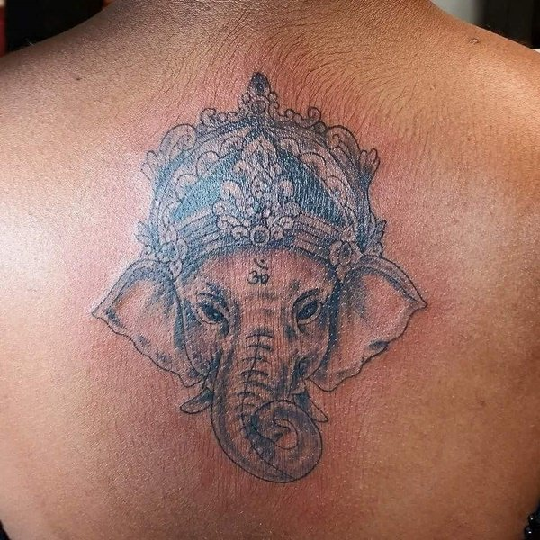 23200916-tatouages-éléphants