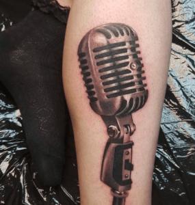 , Microphone Tattoo: pour ceux qui aiment la musique et les chansons  (En images)