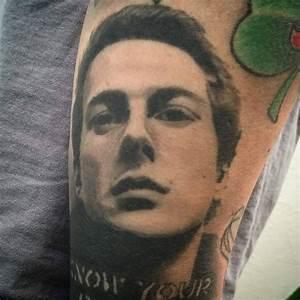, Tatouage en l'honneur de Joe Strummer  (En images)