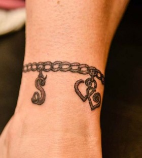 20 Stenicl Charm Bracelet Tattoos Ankle Ideas And Designs