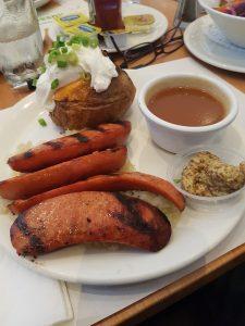 assiette saucisse et choucroute