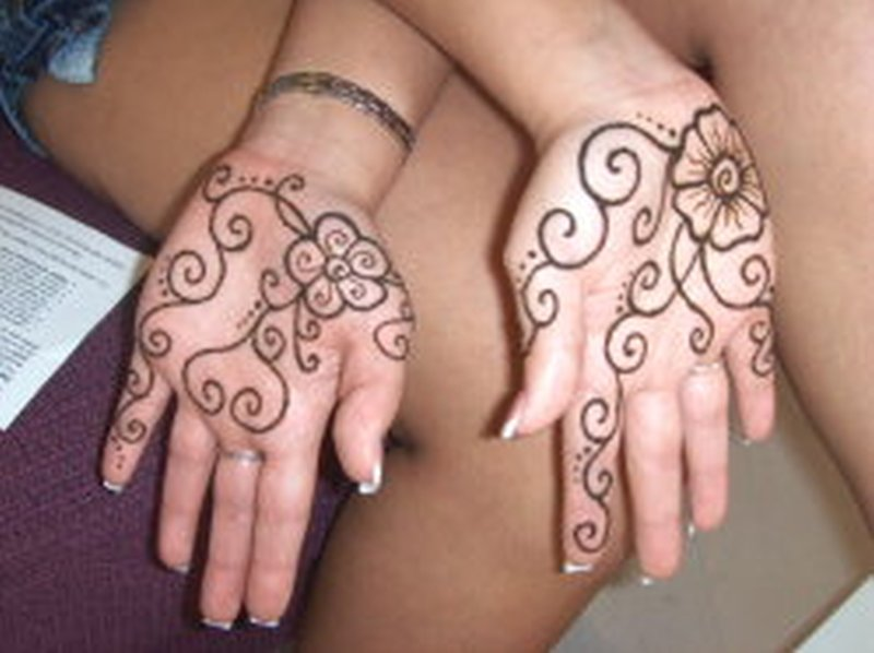 Henna Tattoo Simple Designs