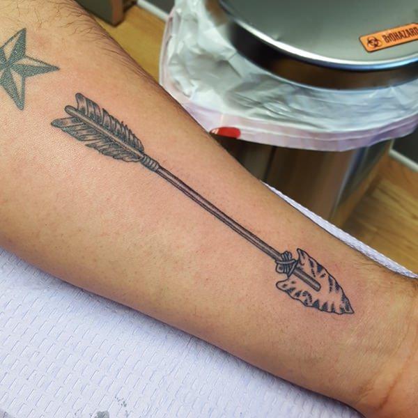 56 Striking Arrow Tattoos That Ll Target Your Style Ideas And Designs