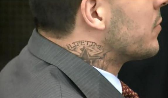 Aaron Hernandez Got A Neck Tattoo In Prison Larry Brown Sports Ideas And Designs