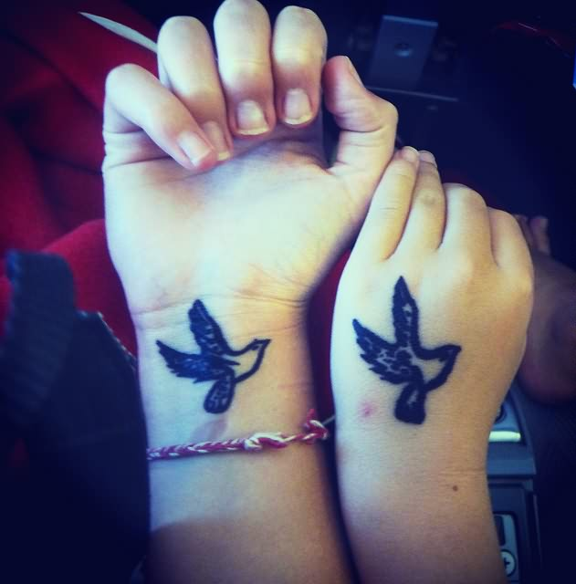 Bird Tattoo On Hand And Wrist Ideas And Designs