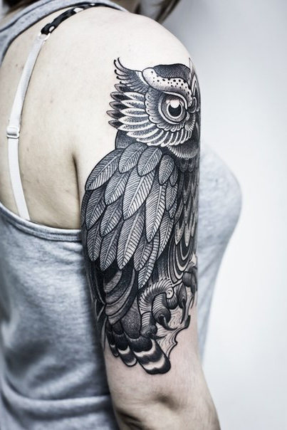 Shoulder Big Eyes Owl Graphic Tattoo Idea Best Tattoo Ideas And Designs