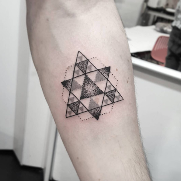 40 Geometric Tattoo Designs For Men And Women Tattooblend Ideas And Designs
