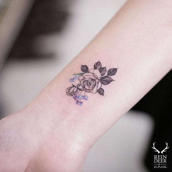 65 Adorable Wrist Tattoos All Women Should Consider Ideas And Designs