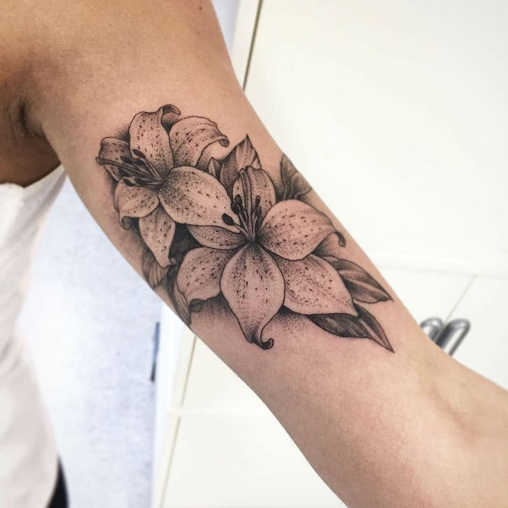 Best 25 Lily Flower Tattoos Ideas On Pinterest Small Ideas And Designs
