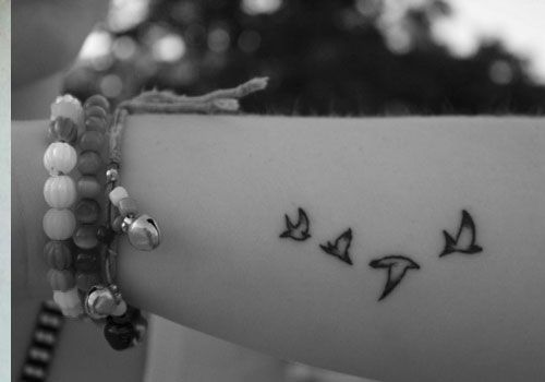 Love These Birds For A Wrist Tattoo Ink Tattoos Small Ideas And Designs