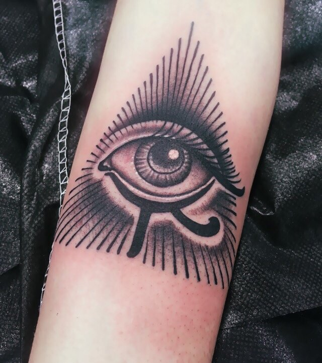 I Wanted An All Seeing Eye With An Egyptian Vibe To It Ideas And Designs