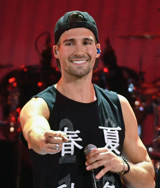James Maslow Is Single — Is He Ready To Mingle Extratv Com Ideas And Designs