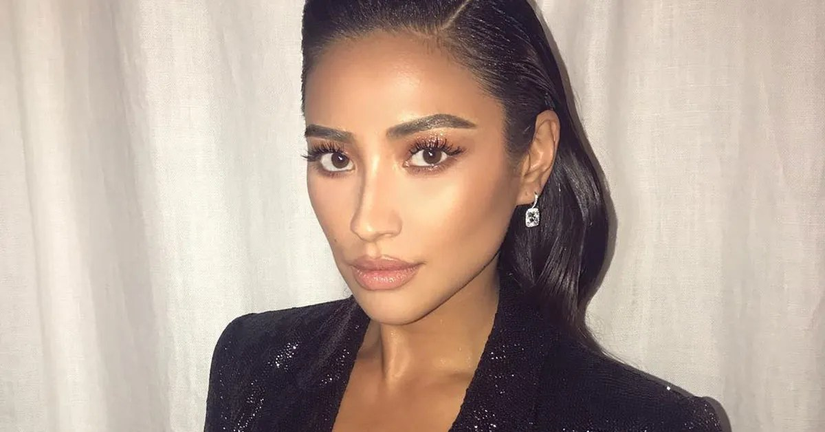 Shay Mitchell Gets Roman Numeral Tattoos T**N Vogue Ideas And Designs