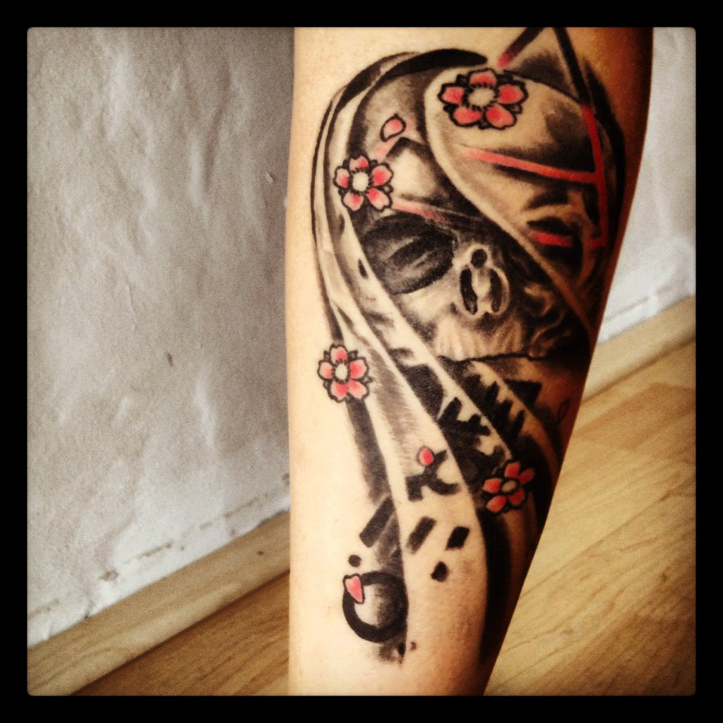 The World S Best Photos Of Tattoo And Triad Flickr Hive Mind Ideas And Designs