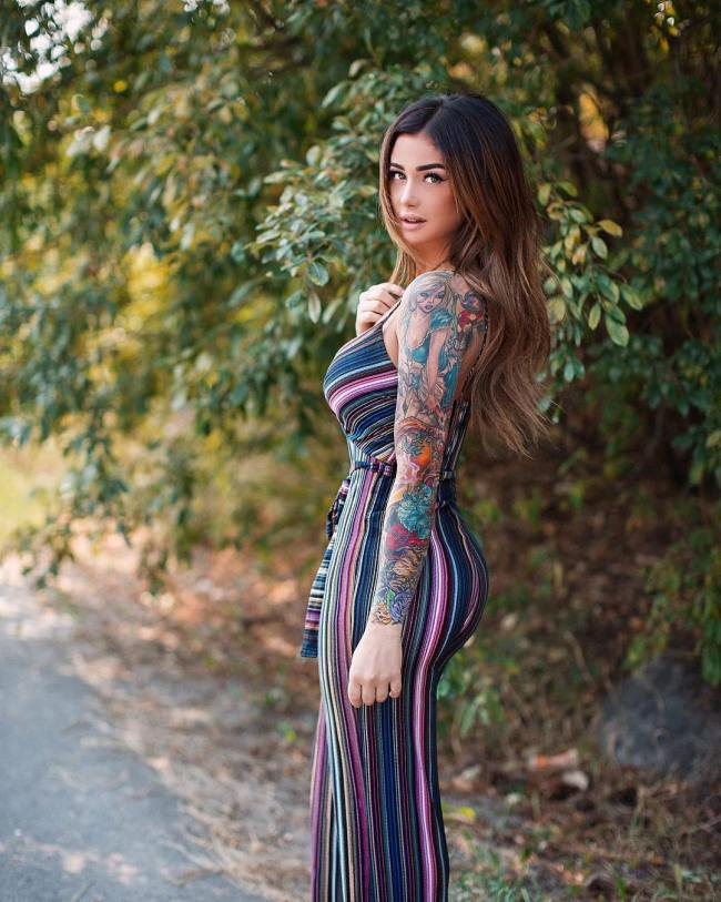 The Hottest Girls With Tattoos Around The Net Barnorama Ideas And Designs