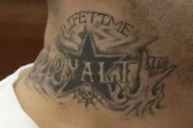 Aaron Hernandez Shows Off Prison Gang Tattoo In Court Ideas And Designs