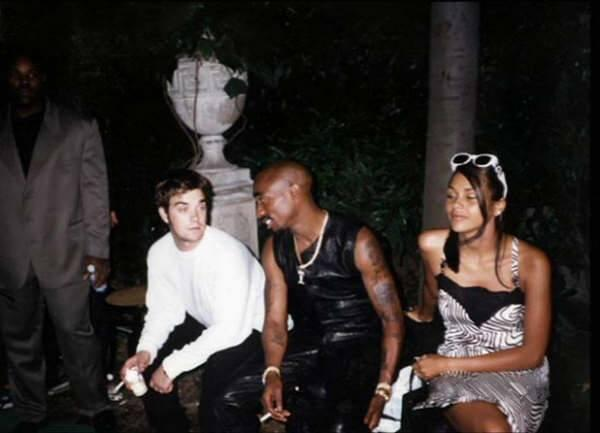 2Pac News On Twitter Rare Photo 2Pac Robbie Williams Ideas And Designs