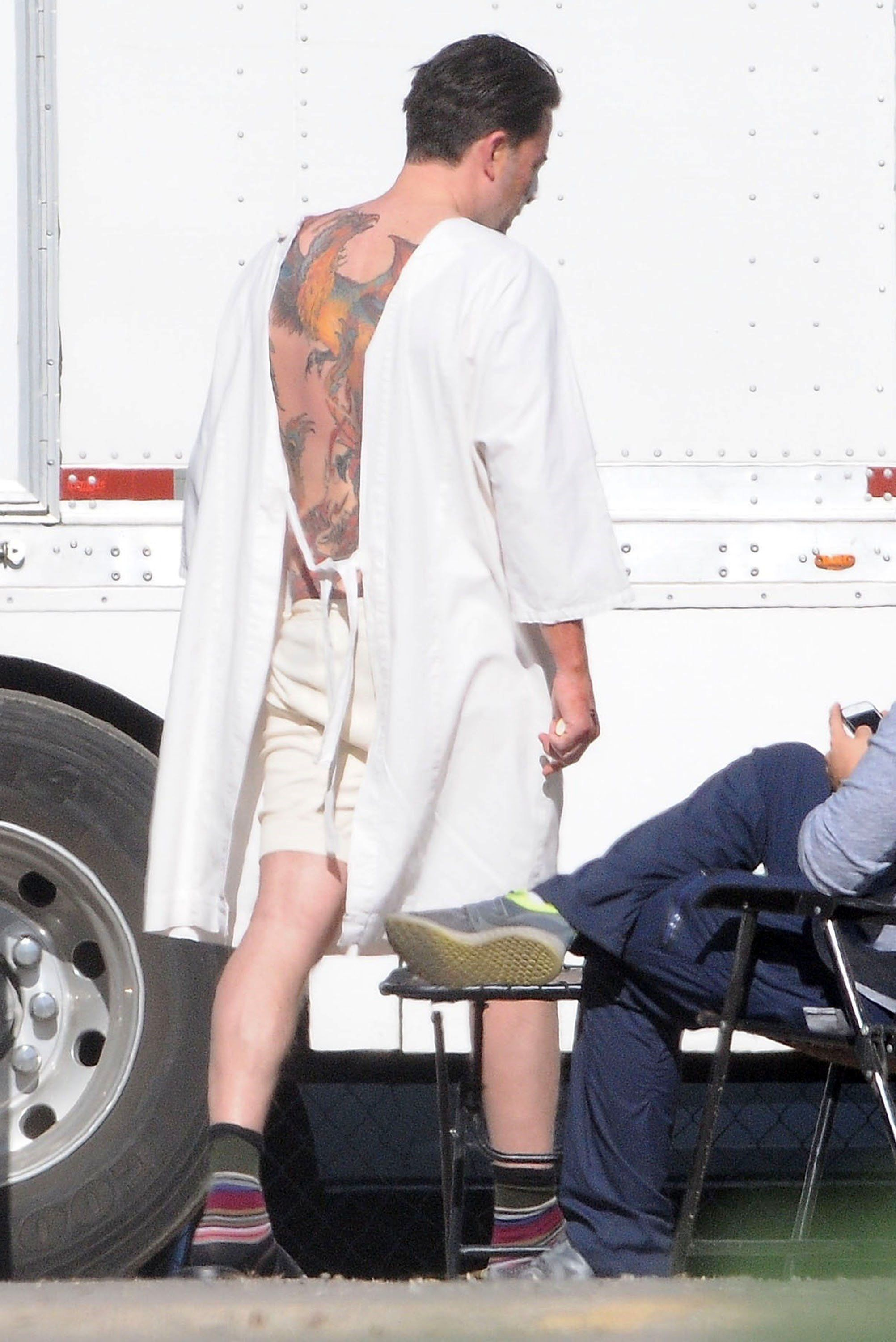 Turns Out Ben Affleck S Massive Back Tattoo Is Indeed Real Ideas And Designs