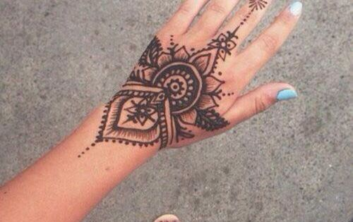 40 Delicate Henna Tattoo Designs Hennas Black Henna And Ideas And Designs