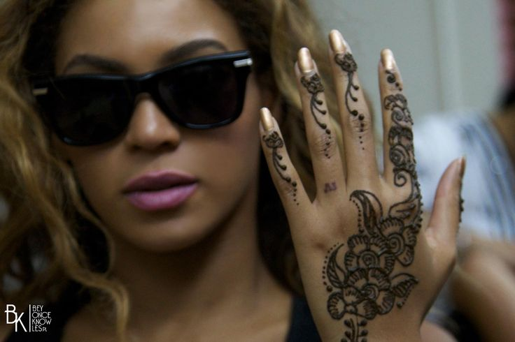 Bey With Henna Tatto Beyoncé The Queen Pinterest Ideas And Designs