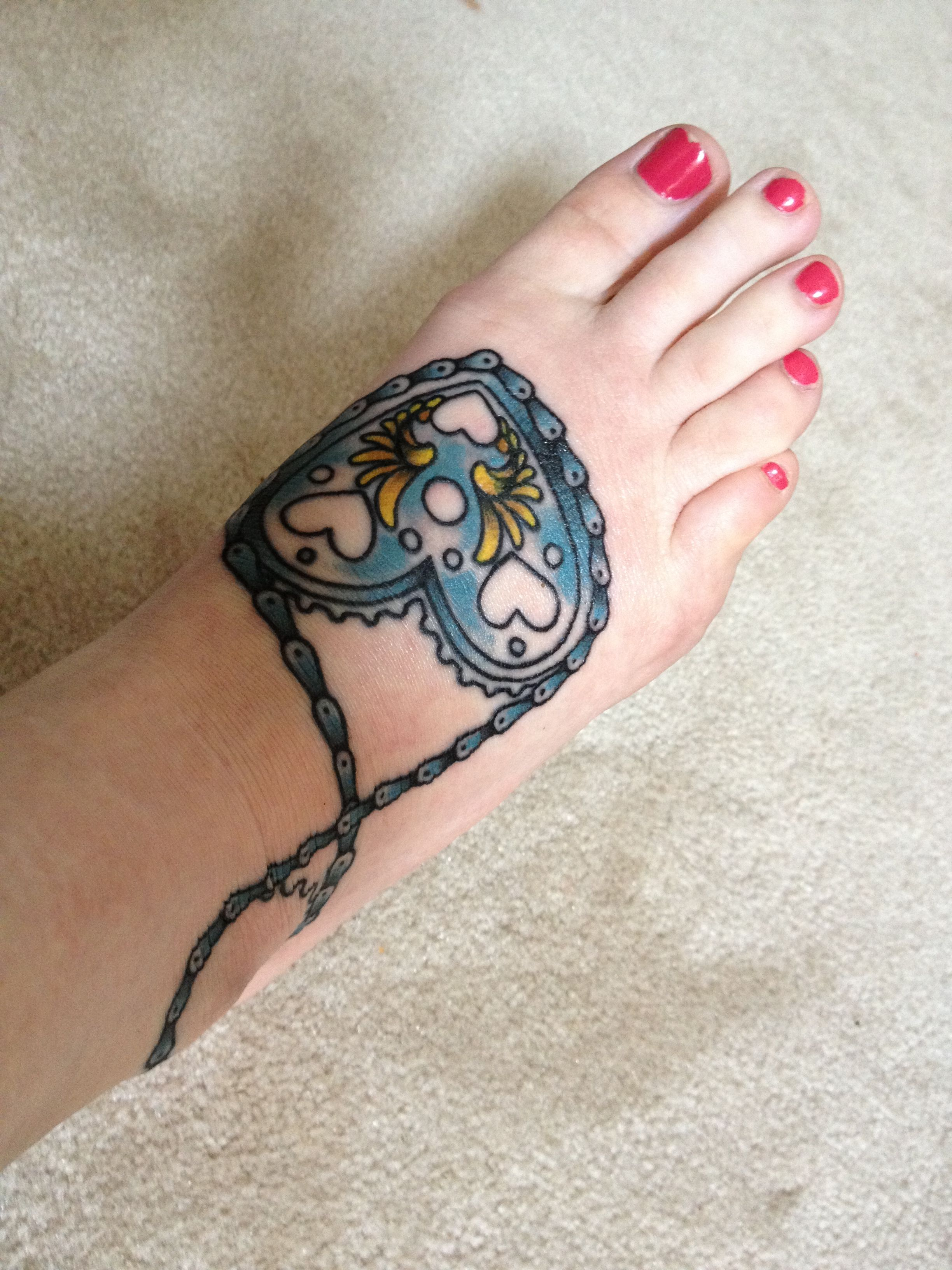 Bicycle Chain Around Heart Sprocket Tattoo Tattoo Ideas And Designs