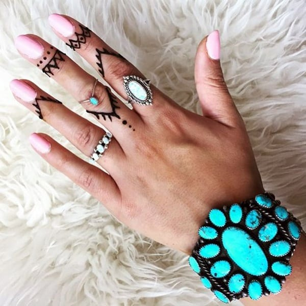 145 Cute And Discreet Finger Tattoos Designs Ideas And Designs