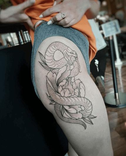 hip japanese snake tattoo