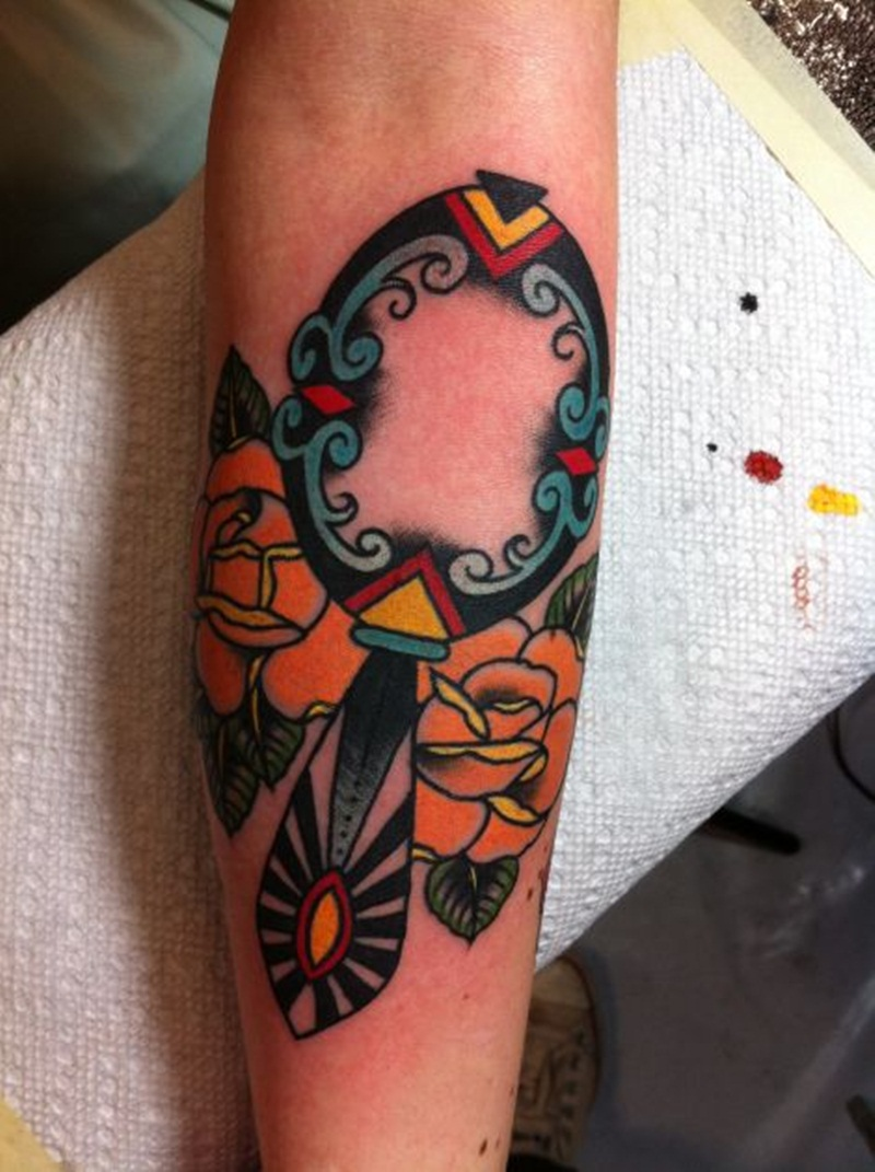 30 Amazing Traditional Tattoo Designs