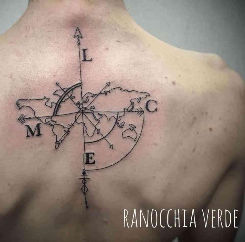 Significato della rosa dei venti for Tattoo bussola significato