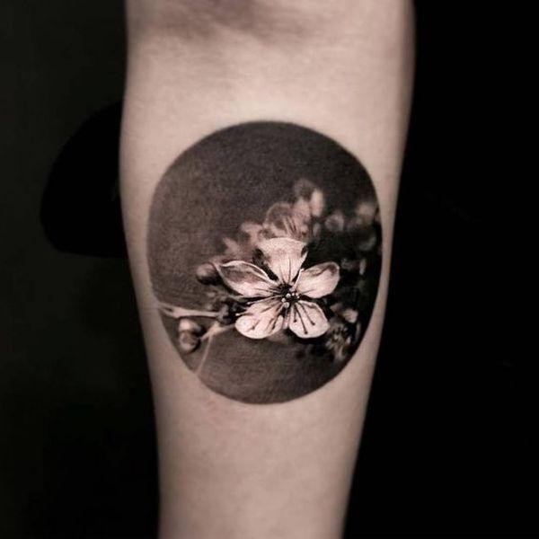 Tatuaje De Flor De Cerezo Japonés Tatuajeclubcom
