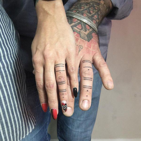 Más De 60 Ideas Brillantes De Tatuajes De Dedos Con Significados