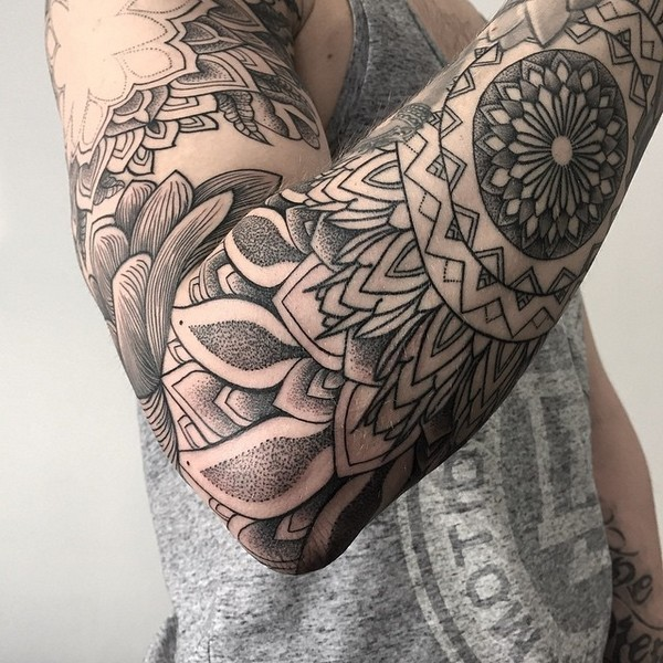 Tatuajes Rosas Hombre Brazo