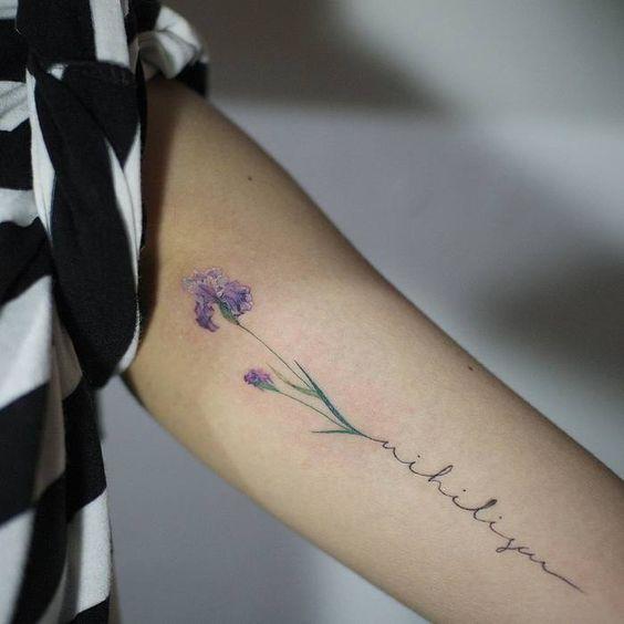 Lindos Tatuajes De Iris Una Flor Con Mucho Significado