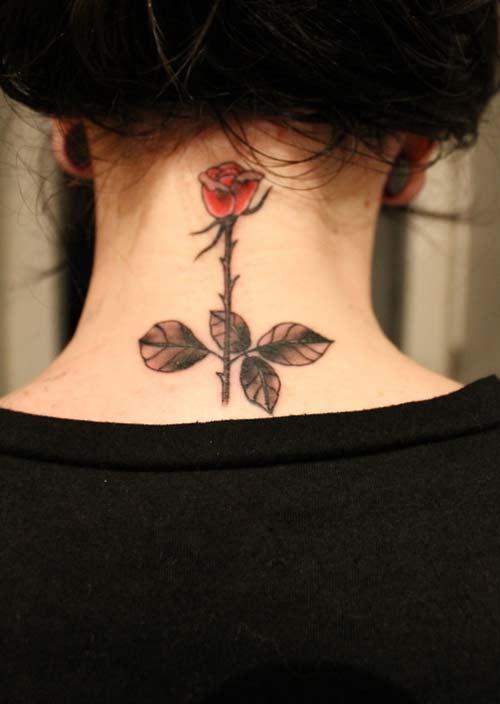 Tatuaje Pequeño En El Cuello Flor Tatuajes Con Significado