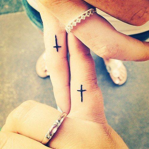 Tatuajes De Cruz En Los Dedos Significado Sfb