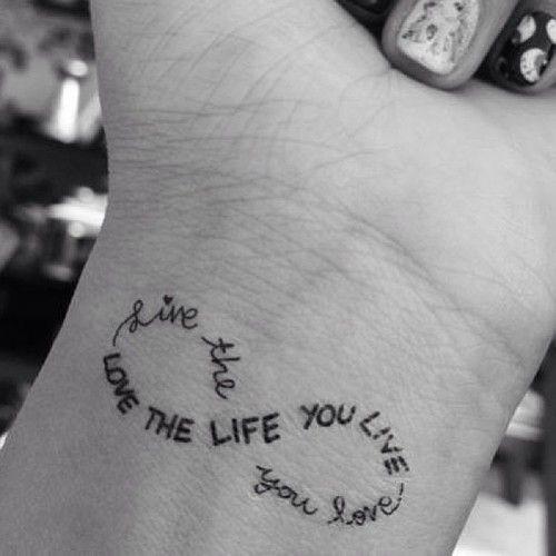 115 Tatuajes Pequeños Con Letras Y Símbolos Para Mujeres