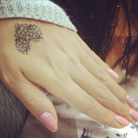 Imagenes De Tatuajes Pequenos De Corazones Para Mujeres