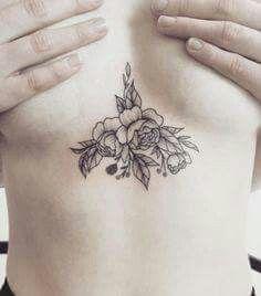 Tatuajes Pequeños Y Grandes En El Pecho Para Mujer