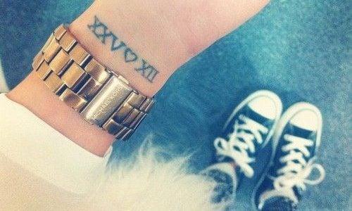 Tatuajes Números Romanos Ideas Y Fotografías