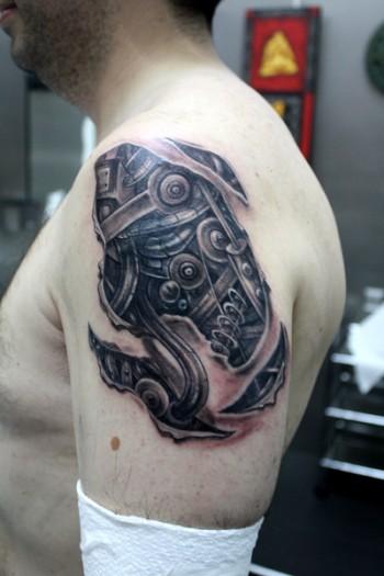 Tattoo Biomecánico En El Brazo