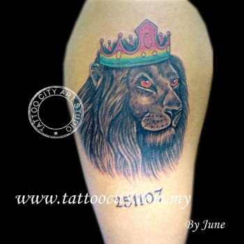 Tatuaje Del León Con Corona