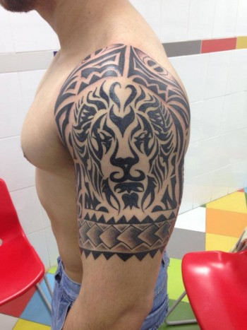 Tatuaje De Un Leon Hecho De Tribales