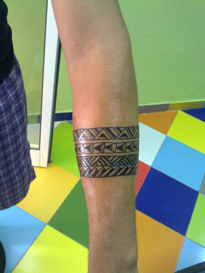 Tatuaje De Un Brazalete Filipino