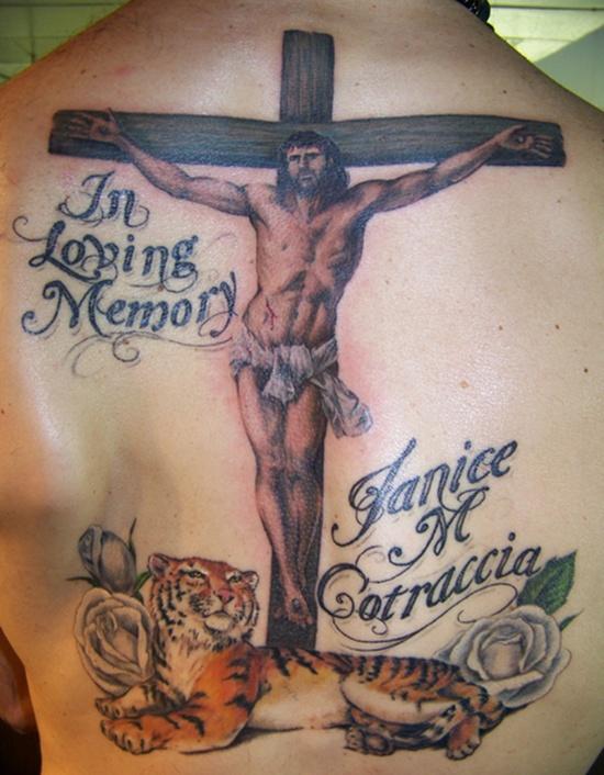 25 Tatuajes De Crucifijos Para Hombres