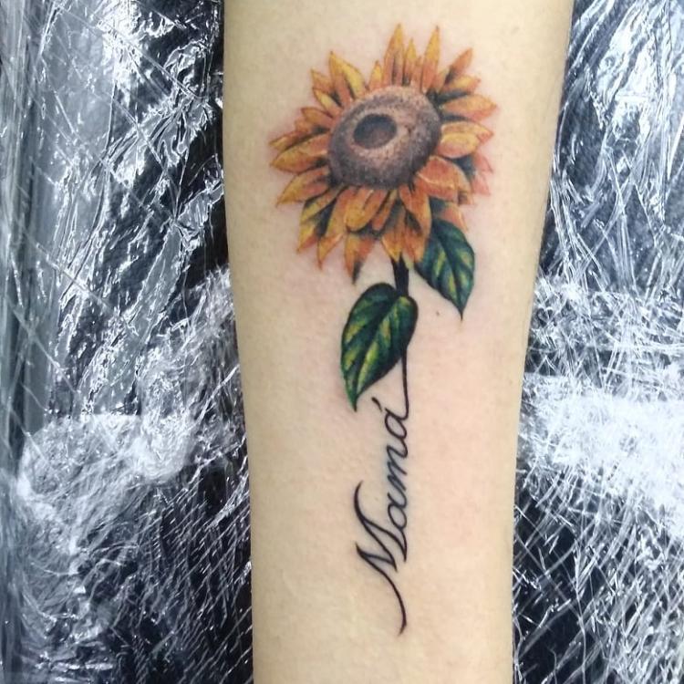Tatuaje Del Artista Mexicano Ar Ky Girasol A Color Tatuajes Y Más