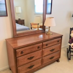 Solid wood dresser & mirror/excellent condition