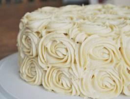 https://tatyanakost.wordpress.com/2014/12/20/йогуртовый-торт-простота-в-праздничн/