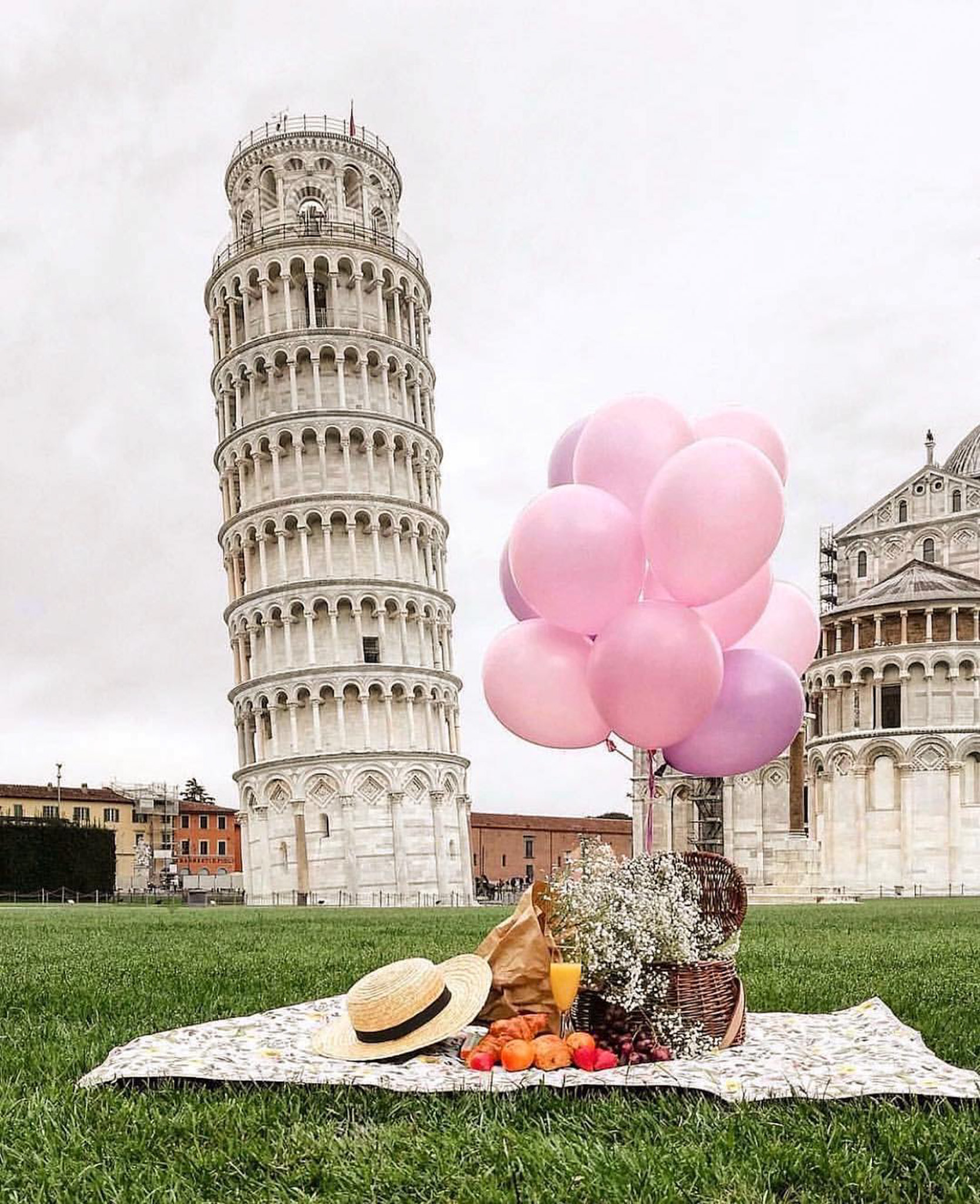 Piazza dei Miracoli, Pisa Tuscany Italy - Balloon, Building, Grass, Happy, Hat, People in nature, Plant, Sky